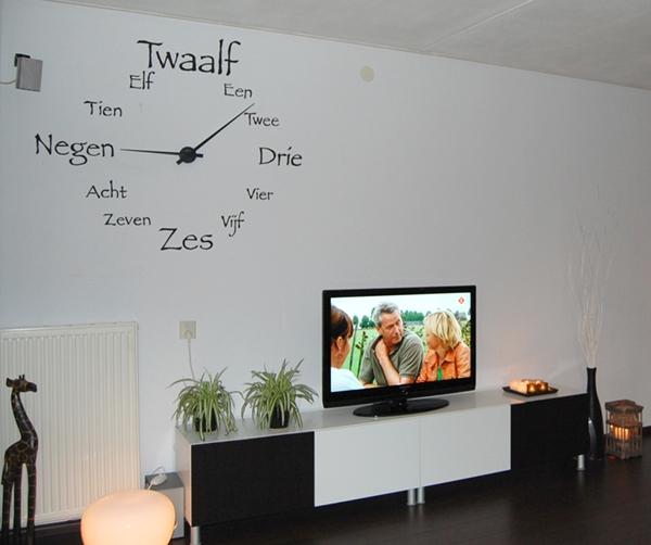 klok-om muur met echte wijzers 1